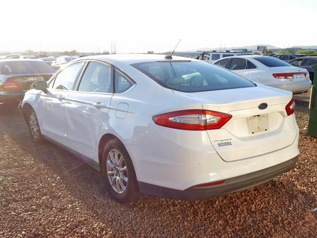 Ford Fusion S 2015 2.5 Rear End